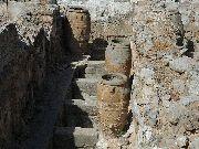 knossos-Pitosy - wielkie dzbany do przechowywania żywności