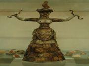 knossos - Kapłanka / tancerka ?   Muzeum Archeologiczne
