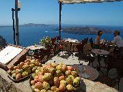 Santorini - Fira - owoce kaktusa do skosztowania w kafejce nad kalderą