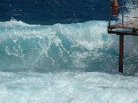 Gdy wieje hamsun-wiatr kończący egipską zimę trudno pływać nad rafą